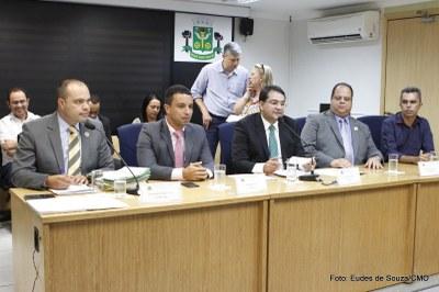 Prefeito Rogério Lins participa da Primeira Sessão Ordinária (1).jpg