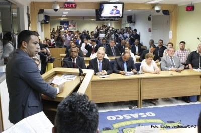 Prefeito Rogério Lins participa da Primeira Sessão Ordinária (4).jpg