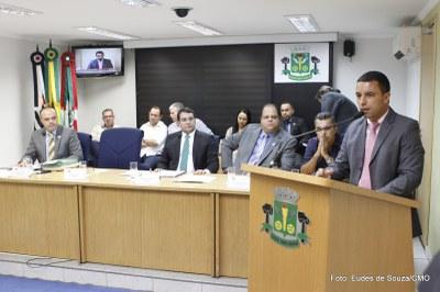 Prefeito Rogério Lins participa da Primeira Sessão Ordinária (6).jpg
