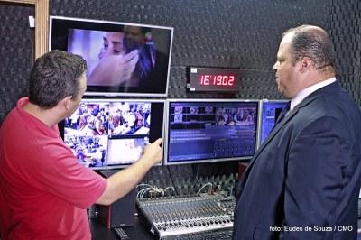 Presidente da Câmara Ver Ribamar visita instalações da TV Câmara (1).JPG