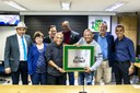 Caju e Castanha recebem Placa Comemorativa do Legislativo osasquense