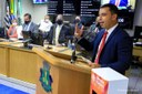 Câmara de Osasco recebe prefeito Rogério Lins