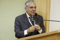 Câmara homenageia ex-presidente com Medalha Raposo Tavares