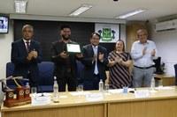 Câmara homenageia Rodrigo Amorim com Cartão de Prata