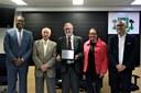 """""""Programa Nossa História"""" recebe Cartão de Prata na Câmara de Osasco"""